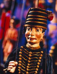 Ass. pour le Renouveau de la Marionnette à Tringle Théâtre L.Richard